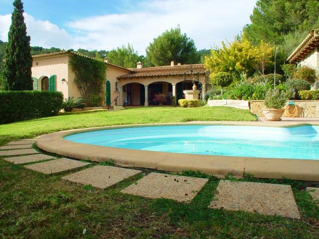 VERKAUFT- Mallorca – Bendinat – Villa mit Panoramablick auf Meer und Schloss Bendinat – Obj. Nr. 0213 CPE-Immobilien
